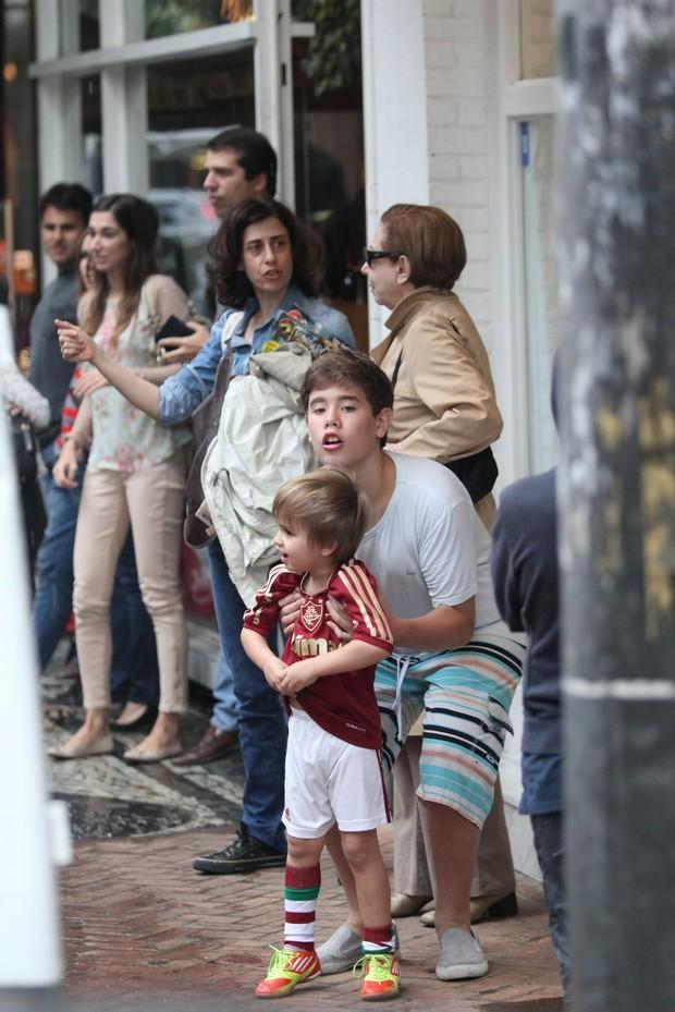 Fernanda Montenegro, Fernanda Torres e os filhos (Foto: Wallace Barbosa / AgNews)