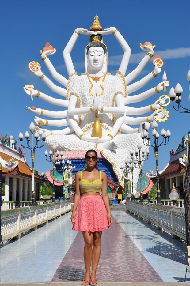 Gyselle Soares anda de elefante e visita pontos turísticos na ... Tobey Maguire