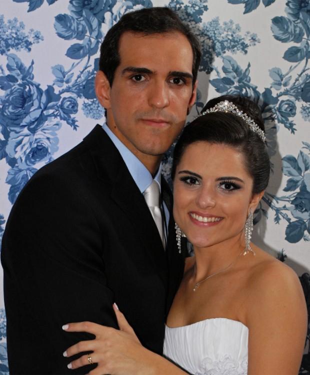 Julia, filha de Marinara Costa, e o marido (Foto: Divulgação)
