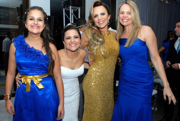 Maria Clara, Julia, Marinara Costa e a irmã (Foto: Divulgação)