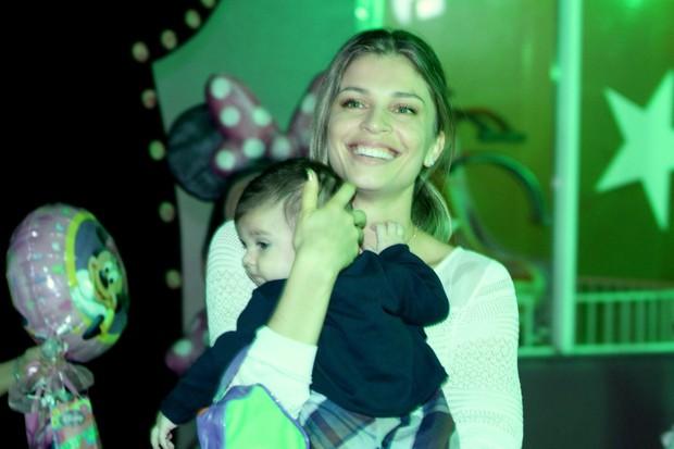 Grazi e Sofia (Foto: Marcello Sá Barreto/Fotorio News)