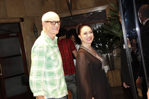 Marcos Caruso e Eliane Giardini em festa no Rio (Foto: Isac Luz/ EGO)