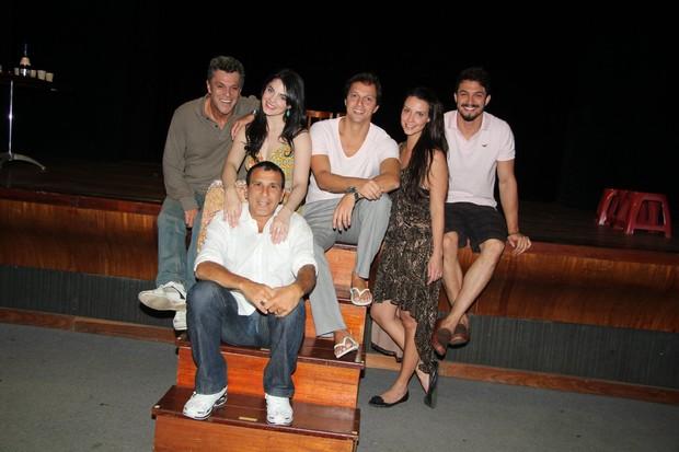 Raymundo de Souza, Renata Ricci, Antônio Rocha Filho, Camila Rodrigues, Romulo Estrela, Eri Johnson. (Foto: Divulgação)