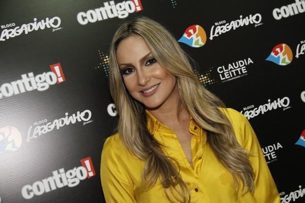 Claudia Leitte antes de show no Rio (Foto: Isac Luz/ EGO)