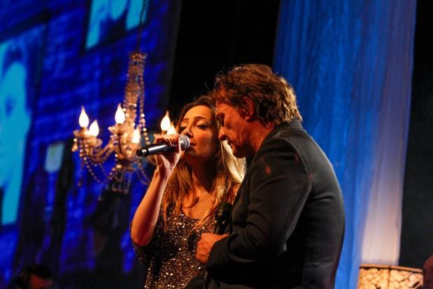 Fábio Jr e a filha Tainá cantam juntos em São Paulo (Foto: Thais Aline/Ag News)