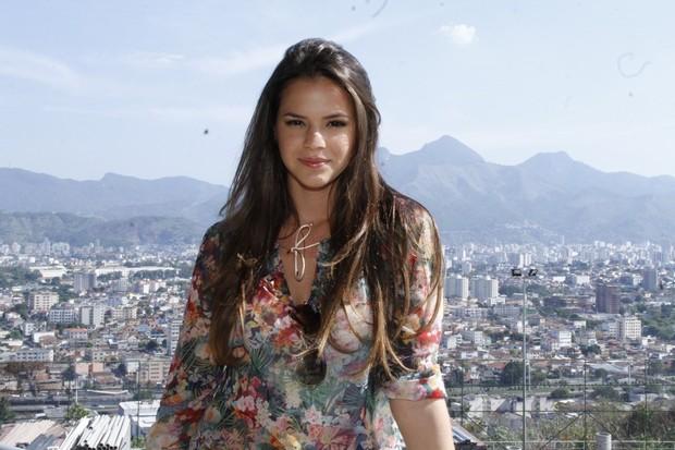 """Bruna Marquezine na exposição """"Guerreiros da vida real"""" (Foto: Roberto Filho  / AgNews)"""