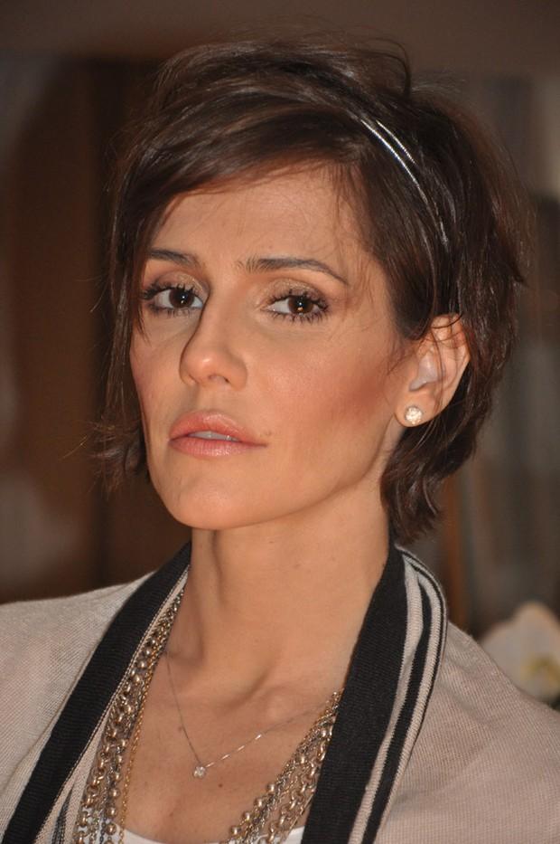 Deborah Secco - penteado para cabelo curto (Foto: Divulgação)