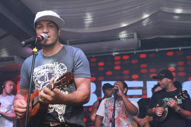 Belo canta em boate na Zona Oeste do Rio (Foto: Raphael Mesquita/ Divulgação)