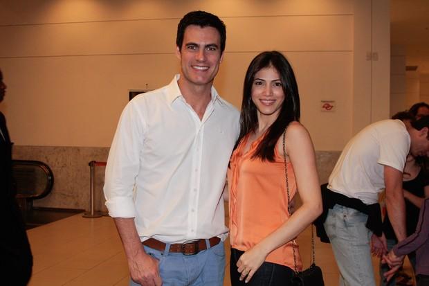 Carlos Casagrande com a mulher, Marcelly Anselme, em estreia de filme em São Paulo (Foto: Marcos Ribas/ Foto Rio News)