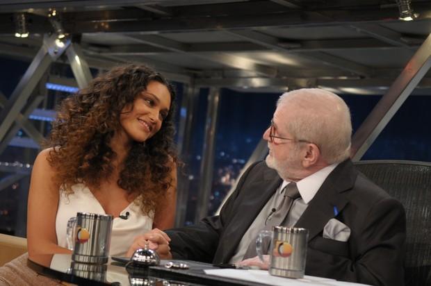 Débora Nascimento e Jô Soares (Foto: Tv Globo)