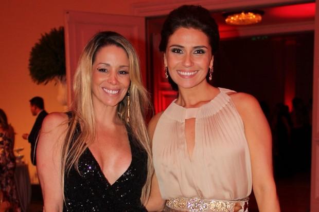 Danielle Winits e Giovanna Antonelli em festa no Rio (Foto: Cleomir Tavares/ Divulgação)