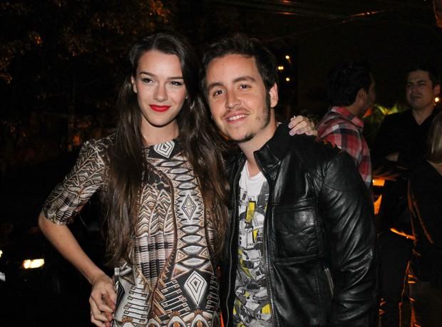 Wagner Santisteban e Mariana Molina em show em São Paulo (Foto: Thiago Duran/ Ag. News)