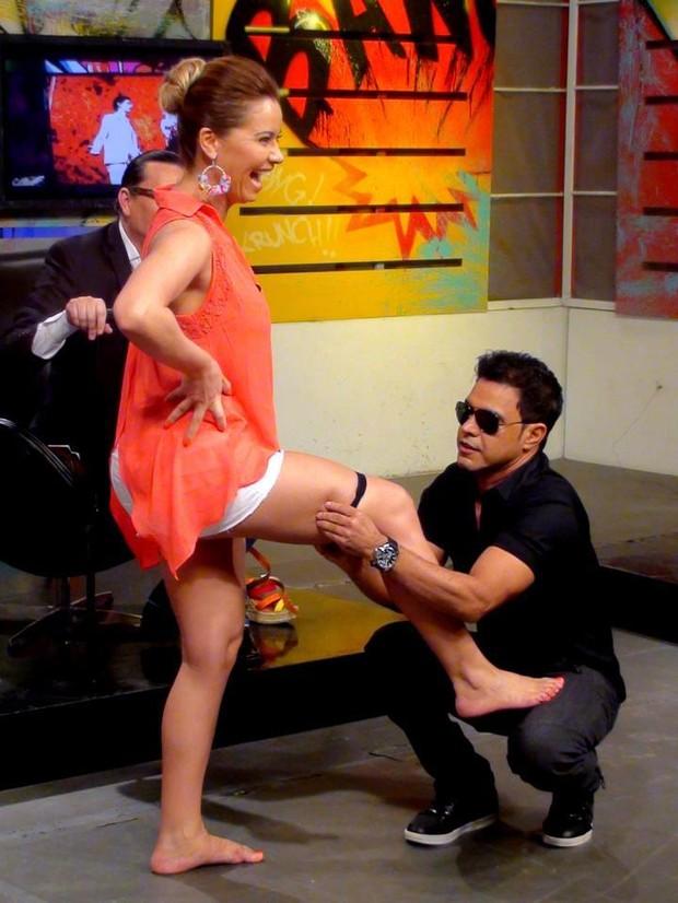 Zezé brinca com Liliana (Foto: Reprodução/Facebook)