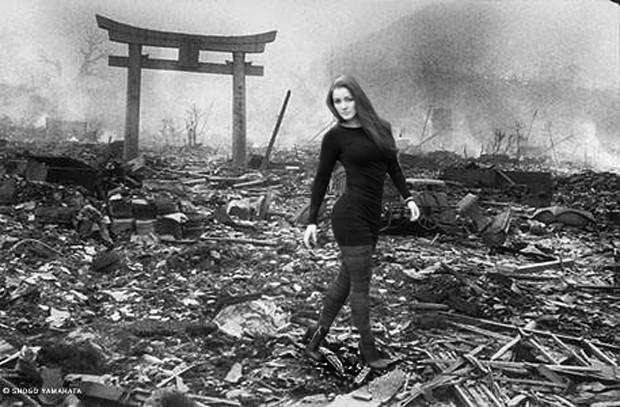 Nana Gouveâ pelas tragédias do mundo em 'Hiroshima' (Foto: Reprodução)