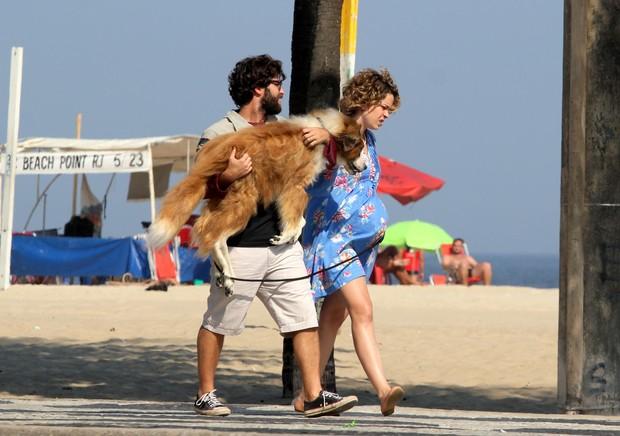 Gravação do filme Mato sem cachorro com Bruno Glagliasso e Leandra Leal na orla do Leme (Foto: Wallace Barbosa/AgNews)