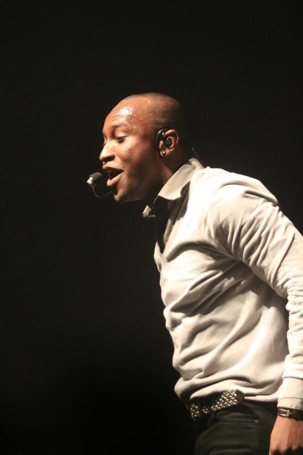 Thiaguinho no palco (Foto: Paulo Silva/ Ag.Fred Pontes- Divulgação)