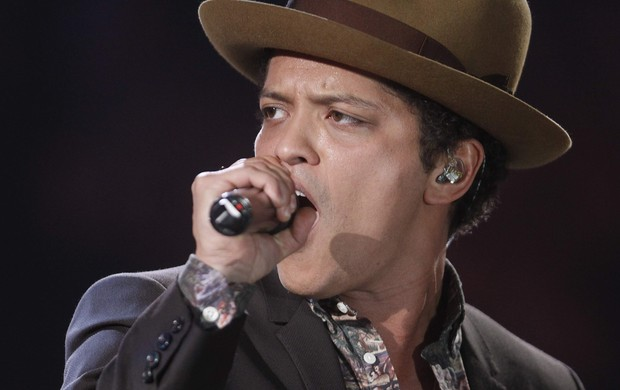 Bruno Mars canta no Victoria's Secret Fashion Show (Foto: Carlo Allegri/ Reuters/ Agência)