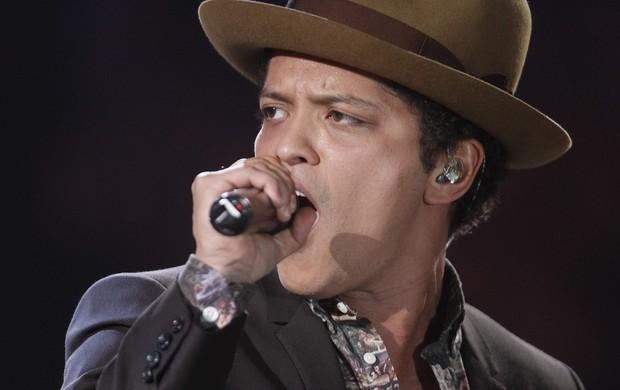 Bruno Mars canta no Victoria's Secret Fashion Show (Foto: Carlo Allegri/ Reuters/ Agência)