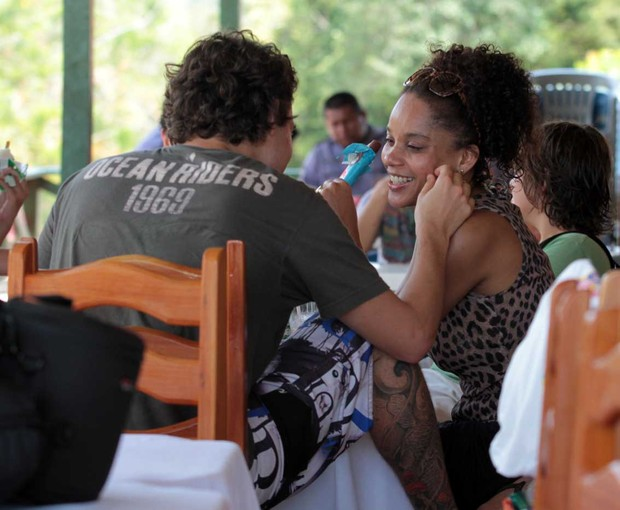 Felipe Dylon e Aparecida Petrowky no Amazonas Film Festival em Manaus (Foto: Orlando Oliveira/AgNews)