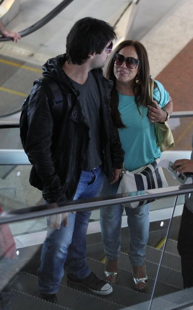Susana Vieira e Sandro Pedroso (Foto: Henrique Oliveira/Fotorio News)