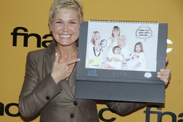 """Xuxa e Grupo Happy Down lançam o calendário """"Happy Down 2013"""" (Foto: Roberto Filho  / AgNews)"""