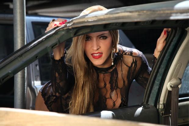 Transparente, Dani Vieira faz ensaio sensual para catálogo de lingerie (Foto: Divulgação / Davi Borges)