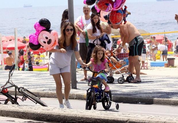 Claudia Abreu e filhos (Foto: J. Humberto/ Ag. News)