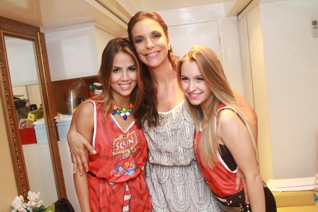 Perola Faria, Ivete Sangalo e Carla Diaz (Foto: Raphael Mesquita/ Foto Rio News)