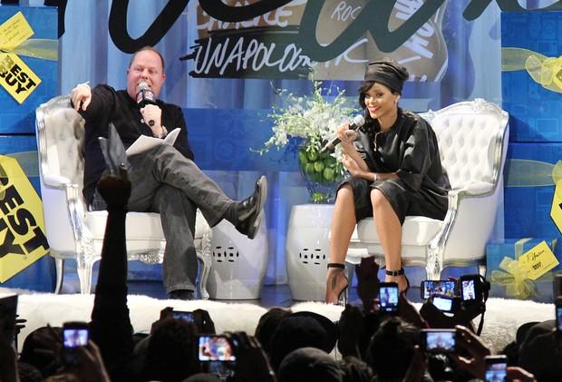 Rihanna lança o álbum 'Unapologetic' em Nova York, nos Estados Unidos (Foto: Rob Kim/ Getty Images/ Agência)
