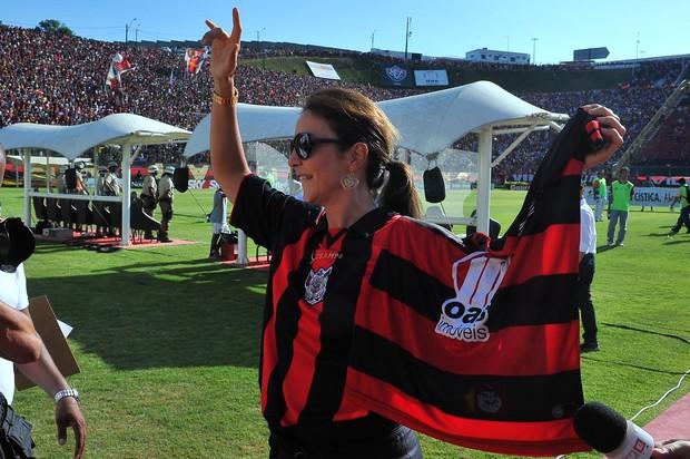 Ivete no Barradão, em Salvador, no jogo do Vitória contra Ceará (Foto: Agência Haack)