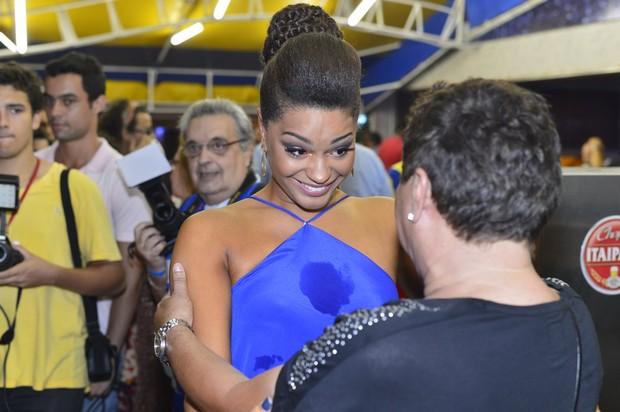 A atriz se emocionou durante a celebração (Foto: Roberto Teixeira)