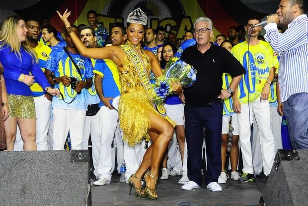 Juliana Alves é coroada como rainha de bateria da Unidos da Tijuca (Foto: Roberto Teixeira)