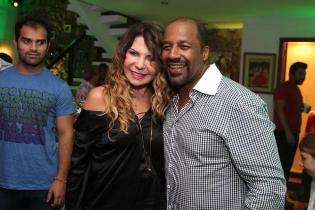 Elba Ramalho e Aílton Graça no aniversário de Alcione no Rio (Foto: Anderson Borde/ Ag. News)