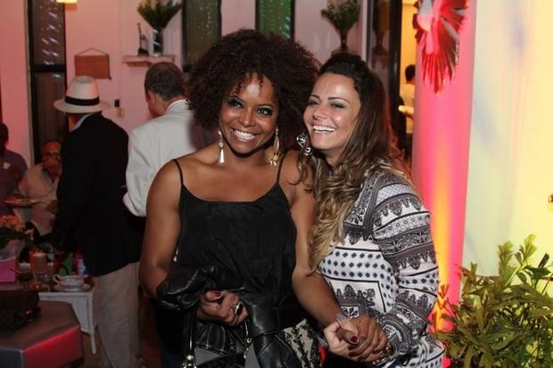 Adriana Bombom e Viviane Araújo no aniversário de Alcione no Rio (Foto: Anderson Borde/ Ag. News)
