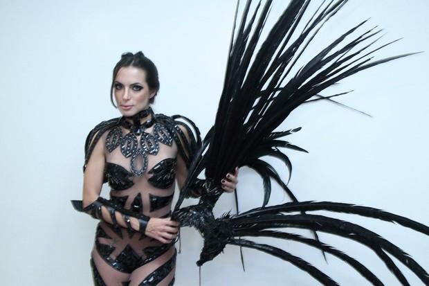 Carla Prata na gravação da vinheta de carnaval Globeleza (Foto: Isac Luz / EGO)