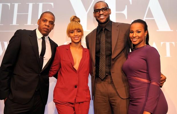 Jay-Z, Beyoncé, LeBron James e Savannah Brinson em premiação em nova York, nos Estados Unidos (Foto: Stephen Lovekin/ Getty Images/ Agência)