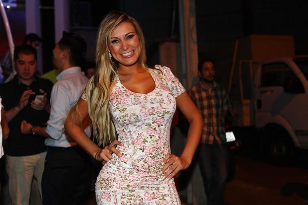 Andressa Urach em inauguração de bar em São Paulo (Foto: Iwi Onodera/ EGO)
