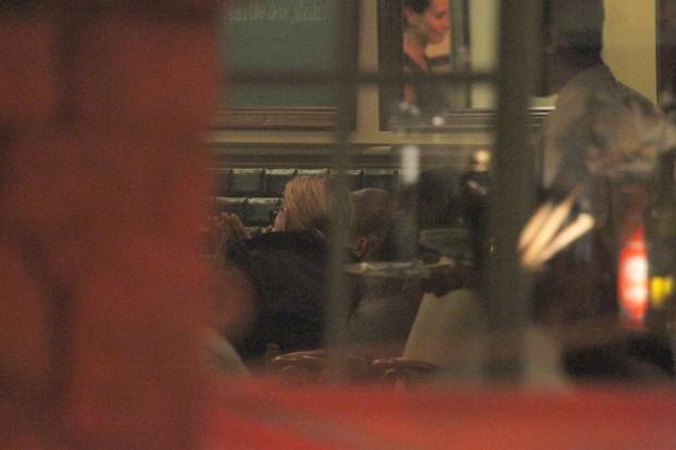 Madonna em restaurante na Zona Sul do Rio (Foto: Delson Silva/ Ag. News)