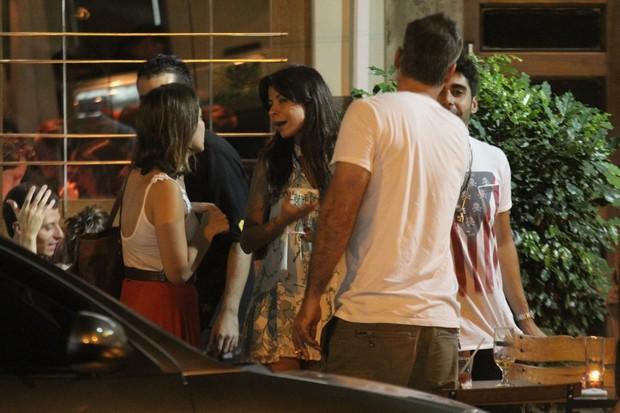 Milena Toscano conversa com Ana Lima durante encontro (Foto: Rodrigo dos Anjos/AgNews)