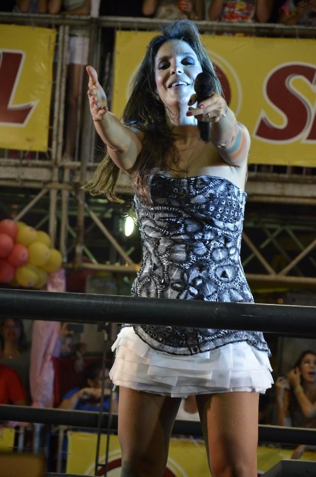 Ivete Sangalo se apresenta em trio elétrico (Foto:  Agencia Groupe/Fred Pontes/Divulgacao)