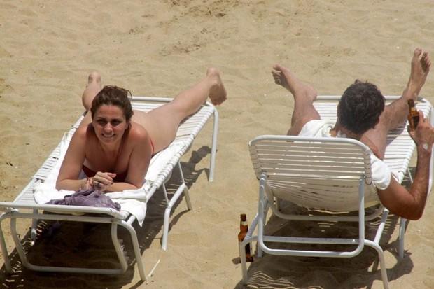 Giovanna Antonelli Curte Praia Em Mangaratiba O Marido E As Filhas