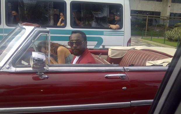 Will.i.am, do Black Eyed Peas, grava clipe no Rio (Foto: Paulo Toy / Divulgação)