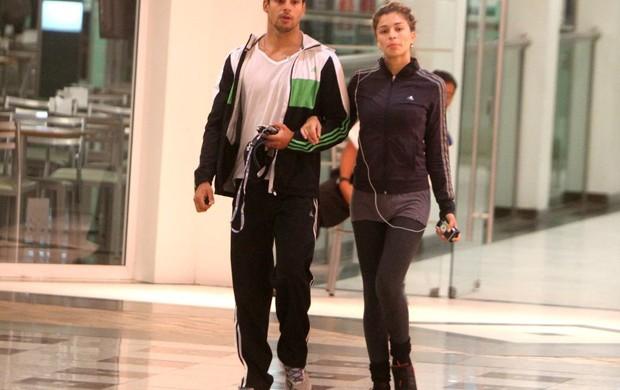 Grazi Massafera e Cauã Reymond passeiam em shopping do Rio (Foto: Delson Silva / Ag News)