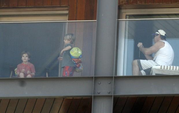 Filhos de Britney Spears no RJ (Foto: Photorio News)