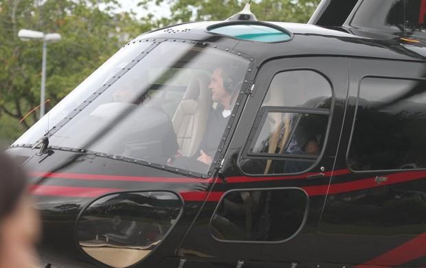 Antonio Banderas viajou na frente (Foto: Gabriel Reis e Rodrigo dos Anjos/Agnews)