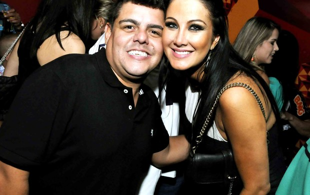 DJ Tartaruga e Hellen Ganzarolli (Foto: Ari Kaye / Divulgação)