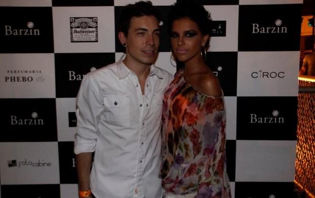 Di Ferrero e Mariana Rios no Barzin (Foto: Philippe Lima/Ag. News)