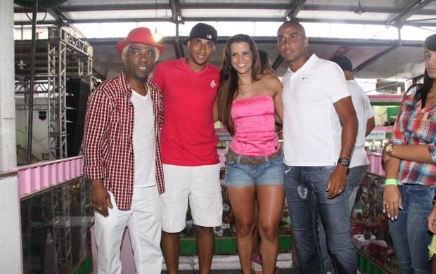 Ivo Meirelles com Wellington, Deivid e Renata Santos (Foto: Onofre Veras/Agnews)
