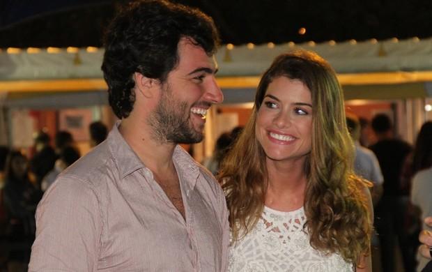 Alinne Moraes e Felipe Simão vão ao Cirque du Soleil (Foto: Roberto Filho/Agnews)