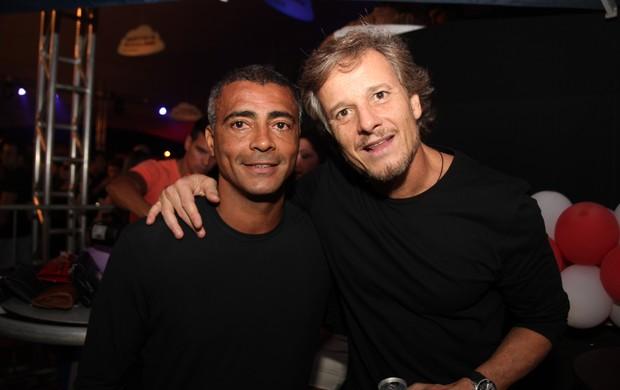 Romário e Marcello Novaes (Foto: Taguro Izumo / Divulgação)